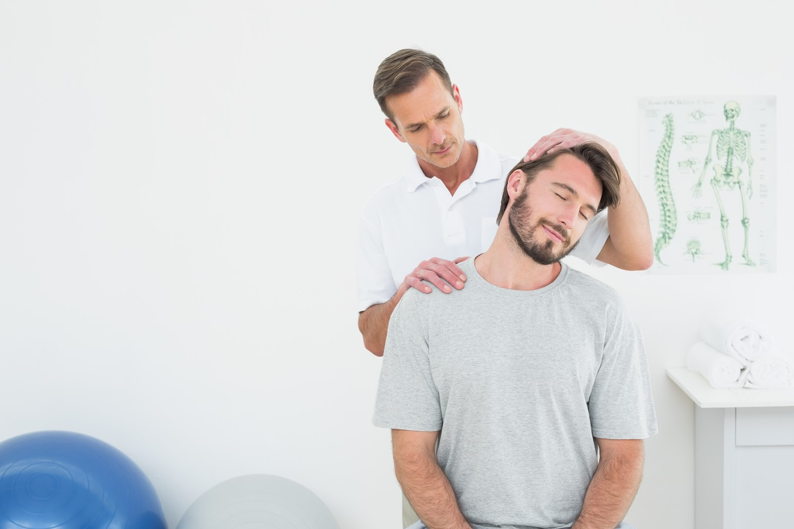 , What Does a Chiropractor Do?